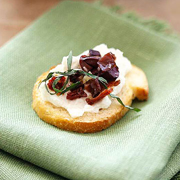 Feta and olives on toast