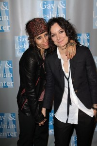 Sara Gilbert and Linda Perry 26798