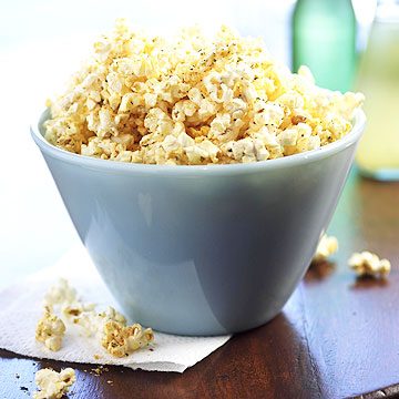 Calcium-Rich Snack 5: Parmesan and Black Pepper Popcorn
