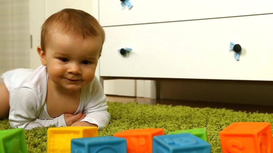 Signs Your Baby is Learning to Crawl