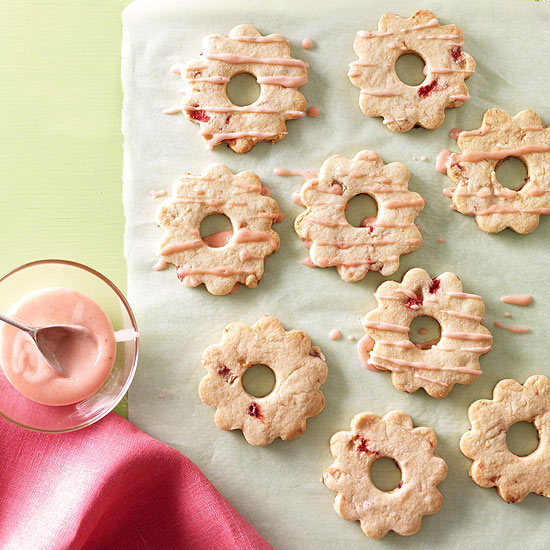Iced Strawberry Rings