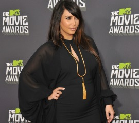 "Kim Kardashian: ""Pregnancy Style Is Hard!"" 26837"