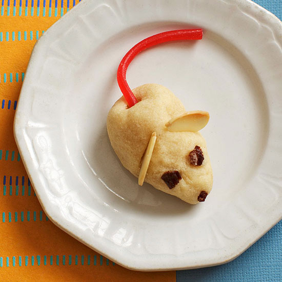 Mini Mouse cookie on plate