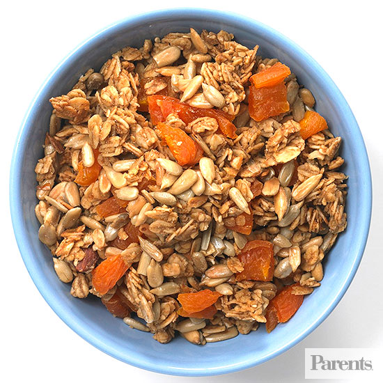Low-fat granola, sunflower seeds, dried apricots