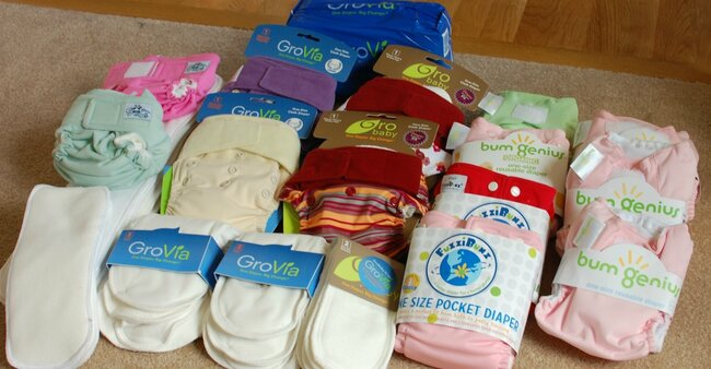 a simple mom's guide to cloth diapering