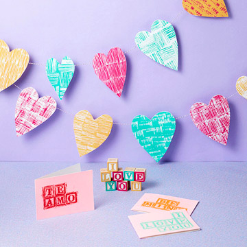 Heart garland and Valentine's cards