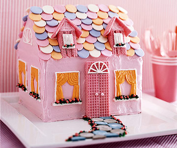 Hello Dolly! Dollhouse Cake