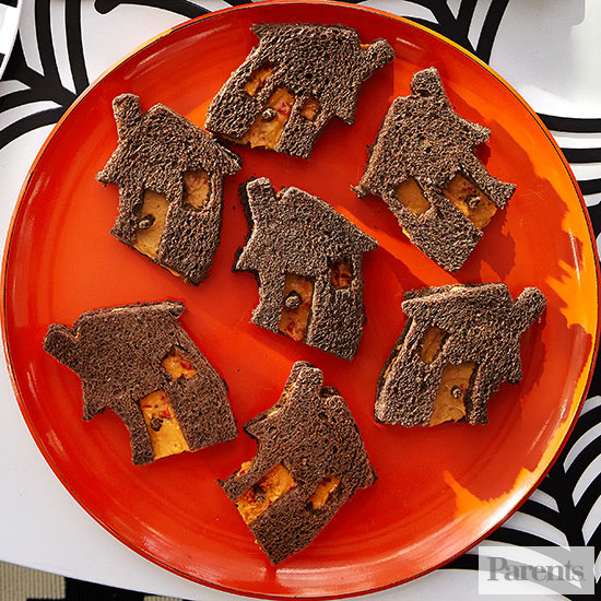 Haunted-House Hummus Sandwiches