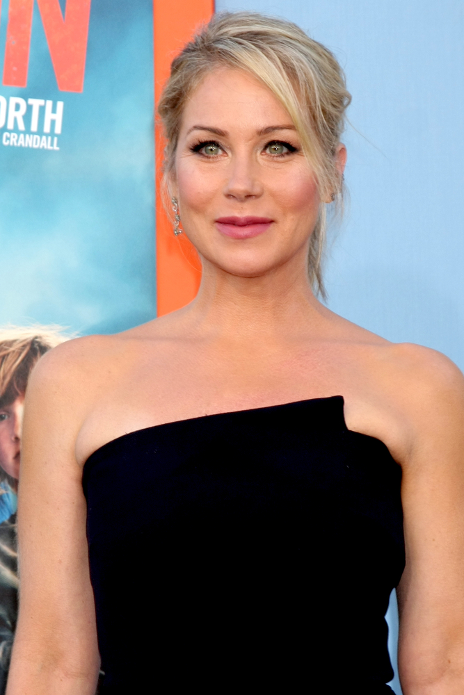 Christina Applegate Headshot 2015