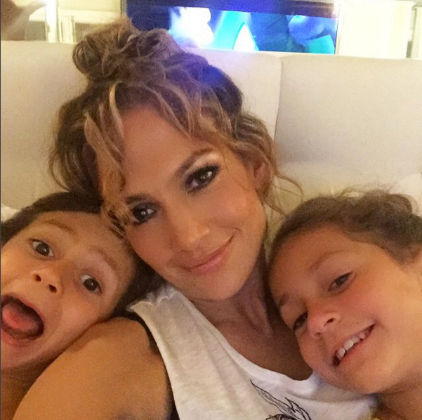 jennifer lopez and twins Instagram photo
