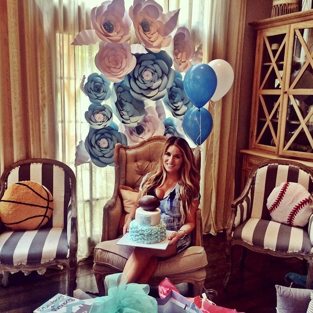 jessie-james-decker-celeb-baby-shower.jpg