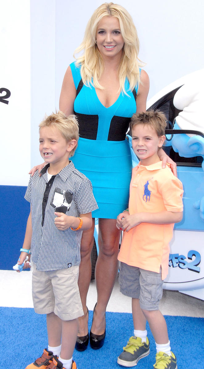 Britney-Spears-and-sons-2013.jpg