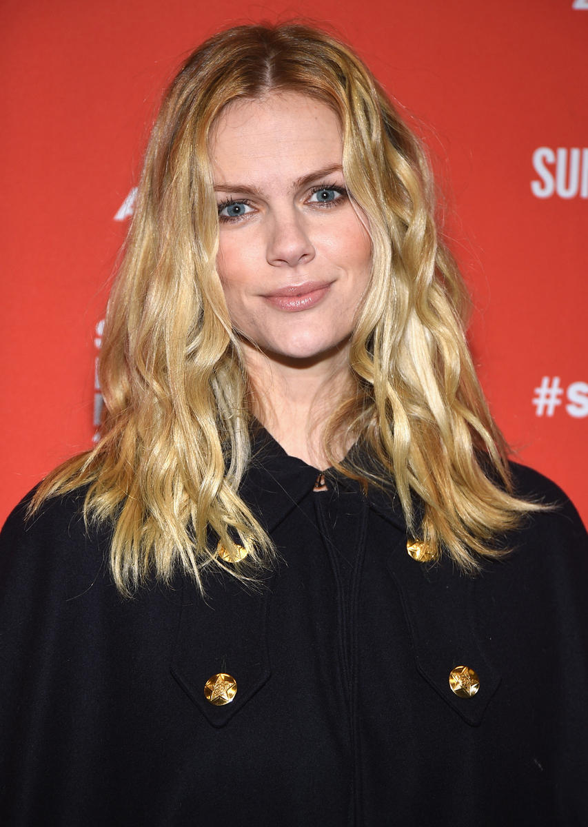 Brooklyn Decker missed her flight after she got off the airplane to breast pump.
