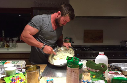 chris hemsworth baking