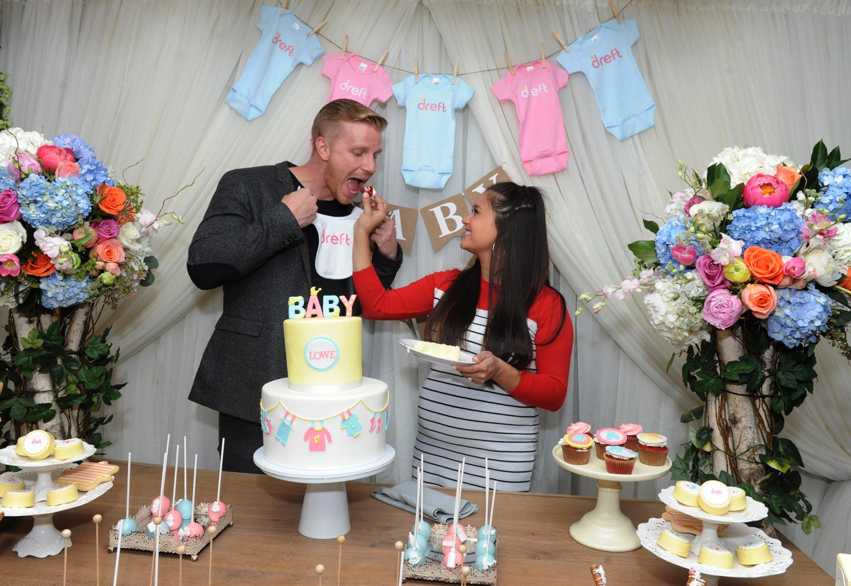 sean and catherine lowe baby shower cake
