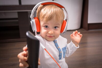Simple Hearing Test May Predict Autism >> Half Of Kids Headphones That Claim To Limit Volume May Actually