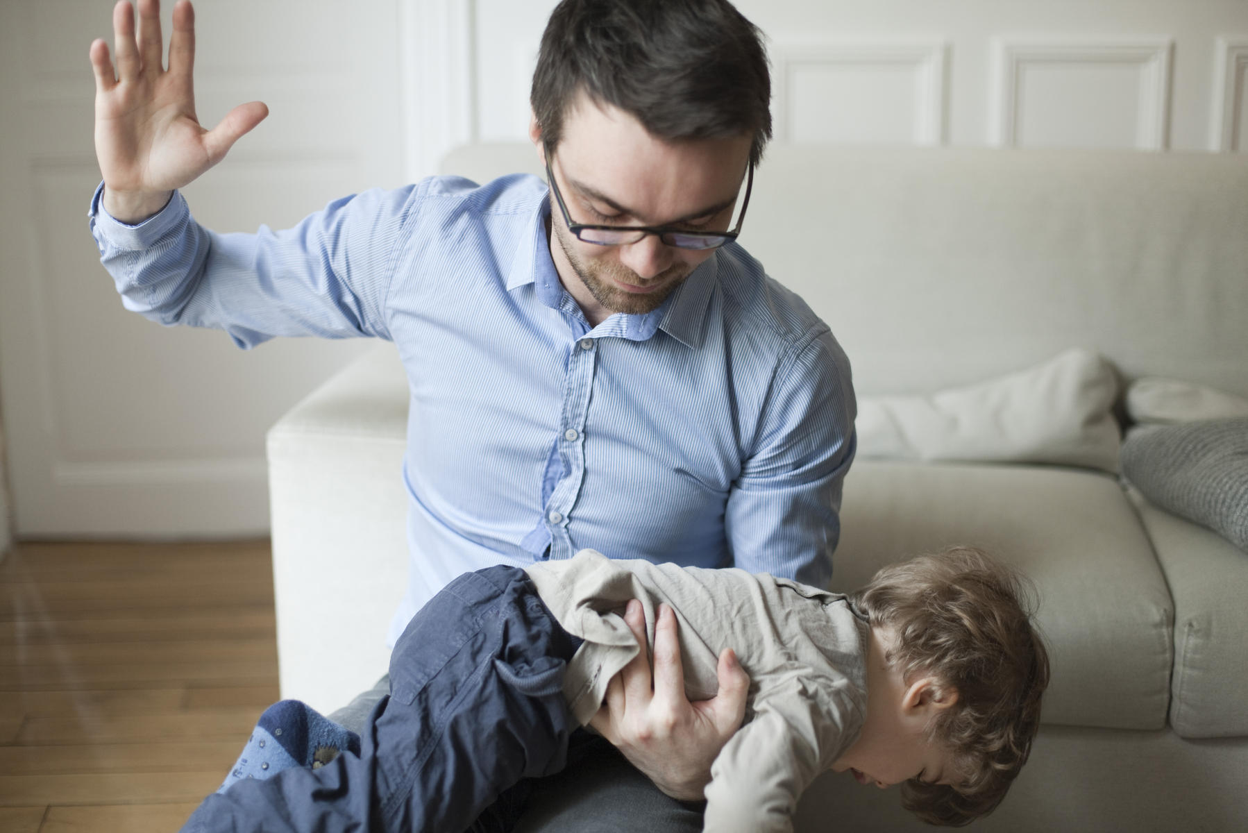 dad spanking toddler