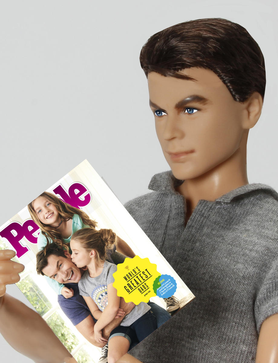 Jerry O'Connell Doll Reading People Magazine