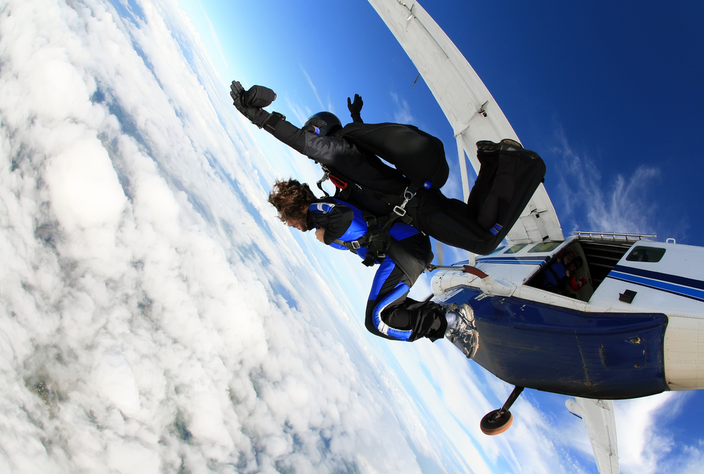 gender reveal skydive