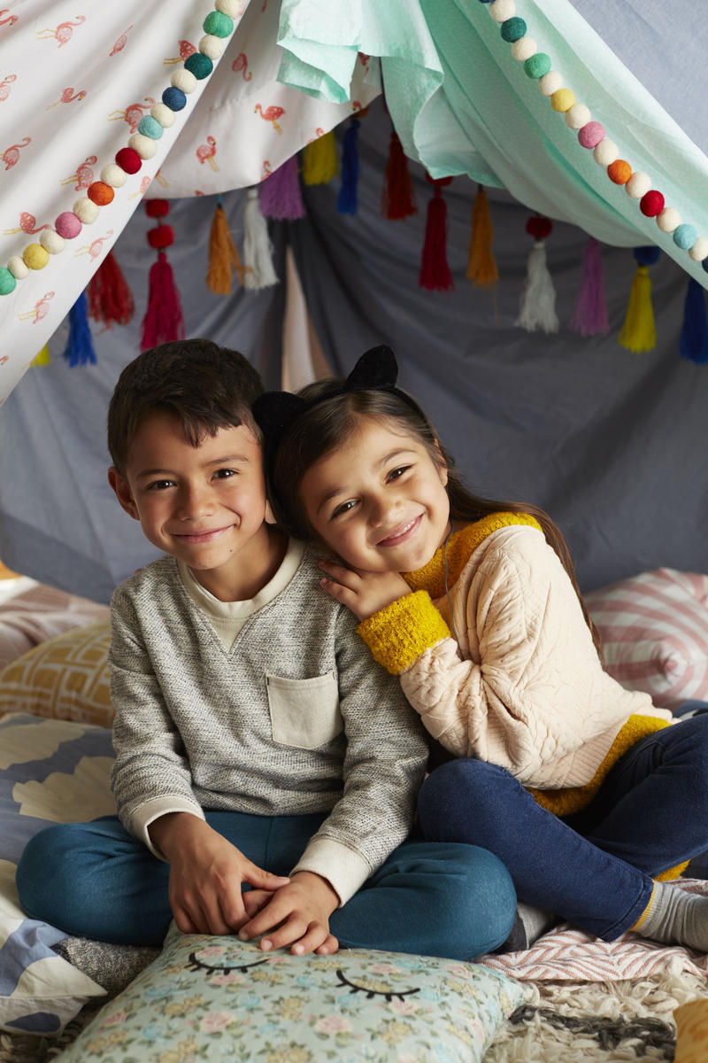 Might Fortress Brother and Sister Smile Play In Fort Blankets