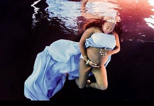 drina underwater maternity photo