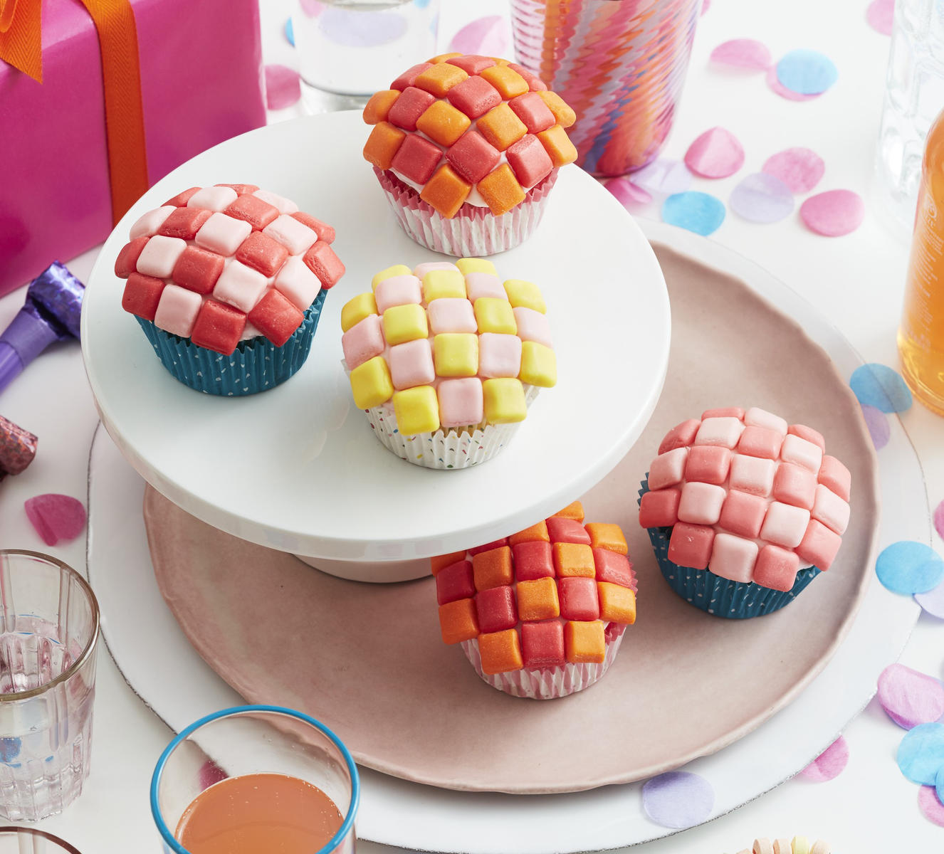 Birthday Craft Cutie Cupcakes Checkerboard Starburst