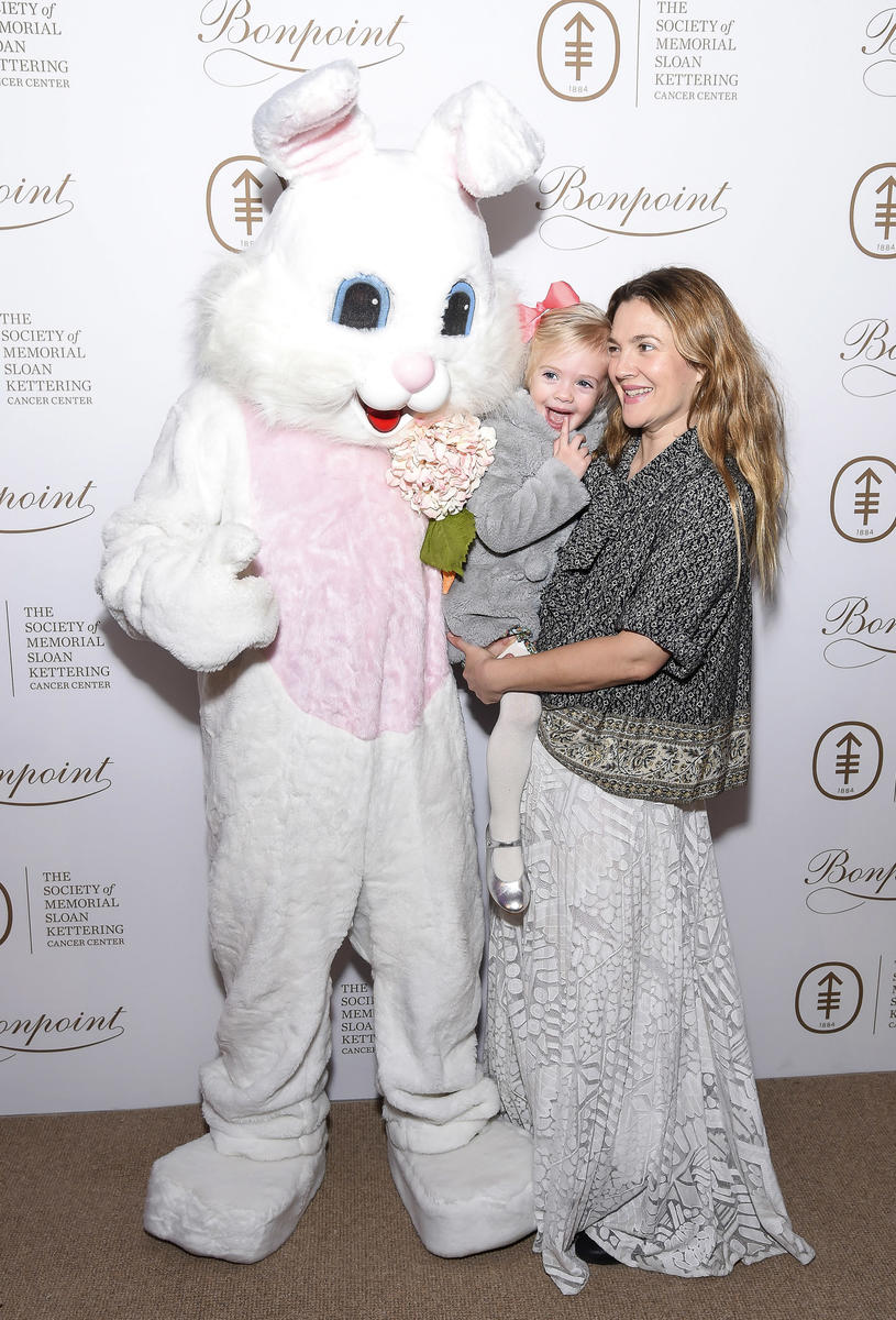 Drew Barrymore and Daughter Meet the Easter Bunny