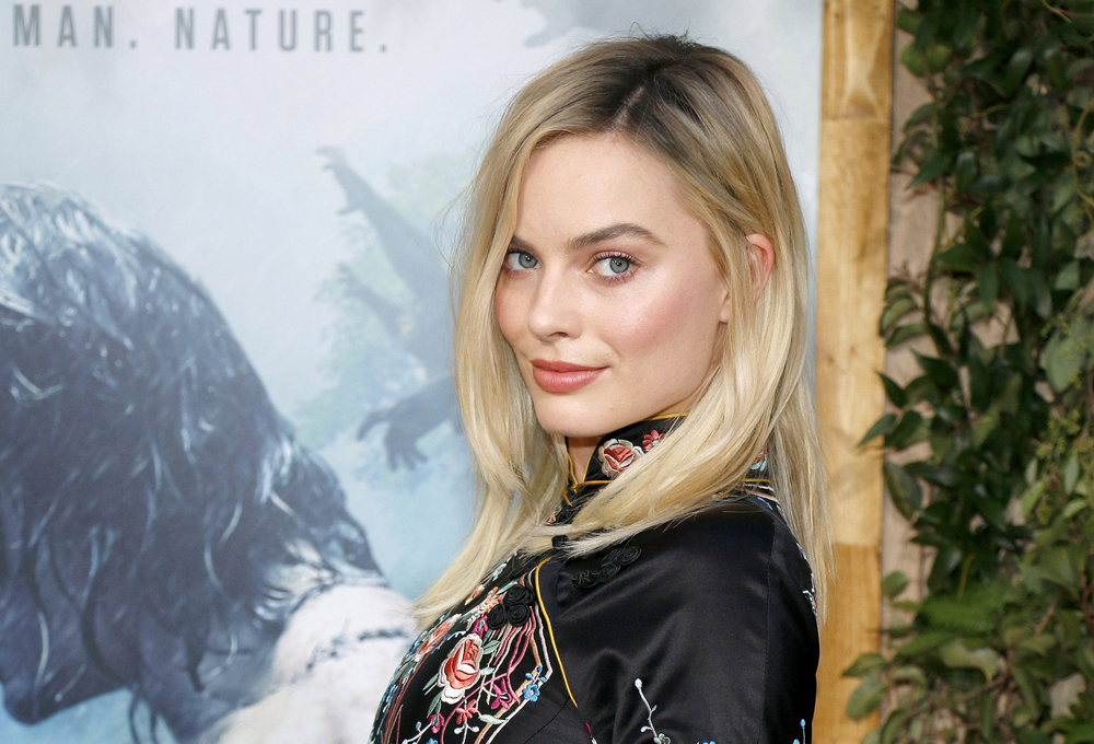 Margot Robbie lip balm hack