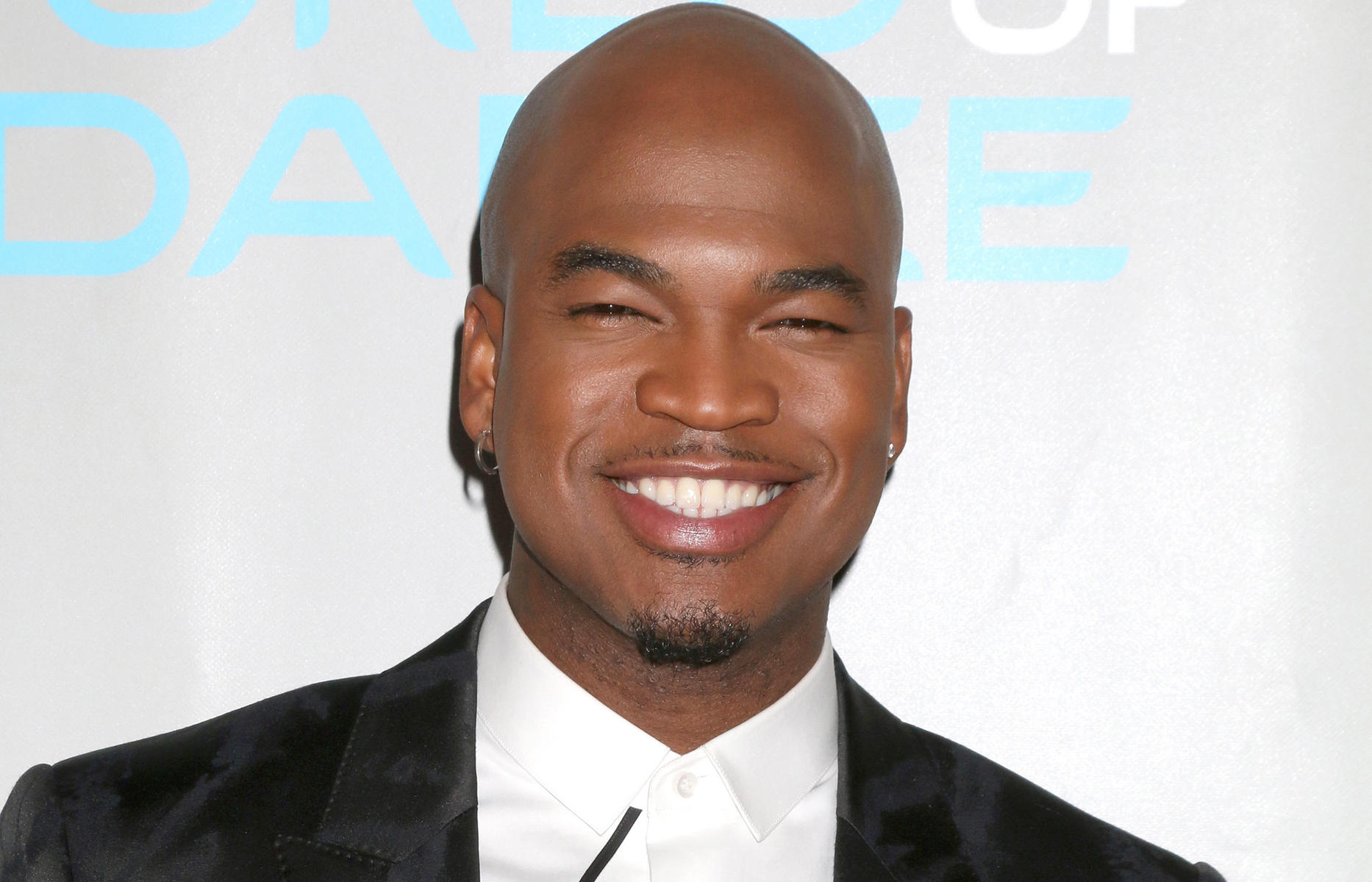 ne-yo black suit