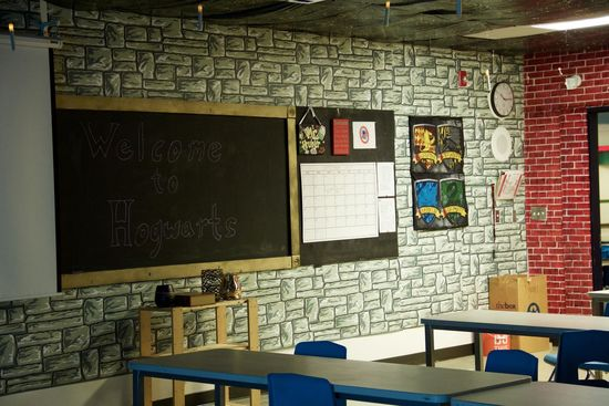 Teacher Transforms Classroom into a 'Harry Potter' Lover's Dream Land_still