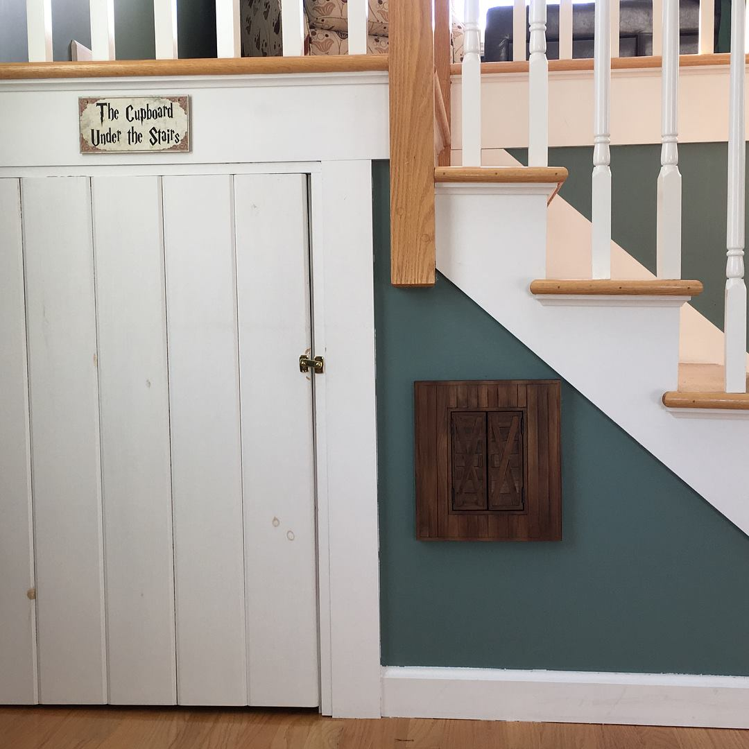 Harry Potter cupboard under the stairs exterior