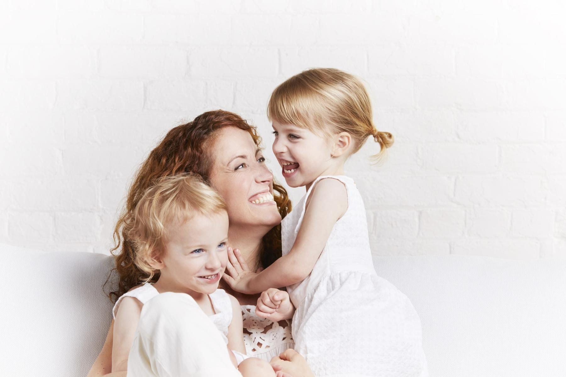 Sara Giovanni and her twin daughters
