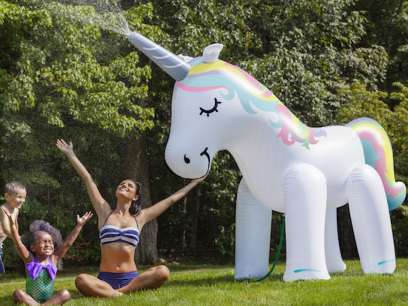 This Unicorn Sprinkler Could Make Your Kids' Summer So Much More Magical_still