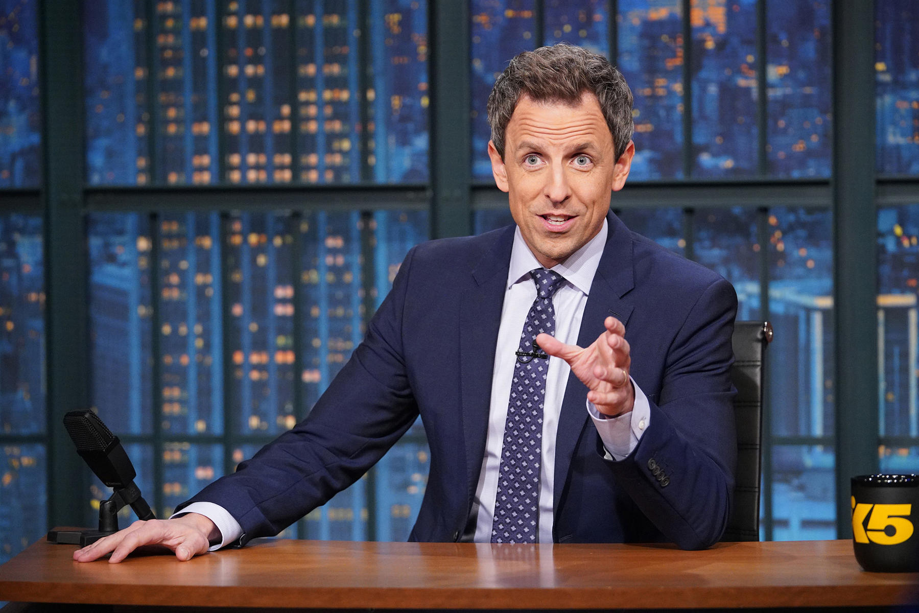 Seth Meyers' Wife Welcomes Their Son in Apartment Lobby_still