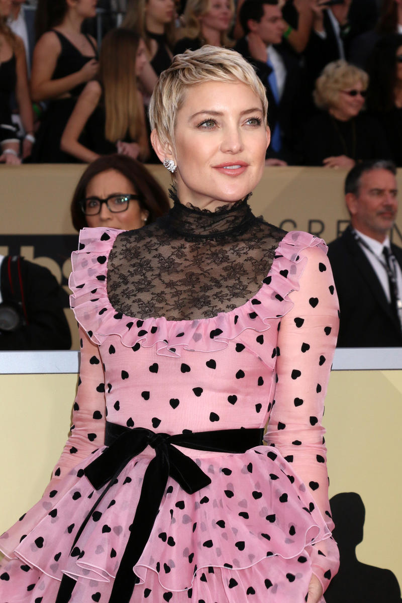 Kate Hudson Short Hair Pink and Black Polka Dot Dress