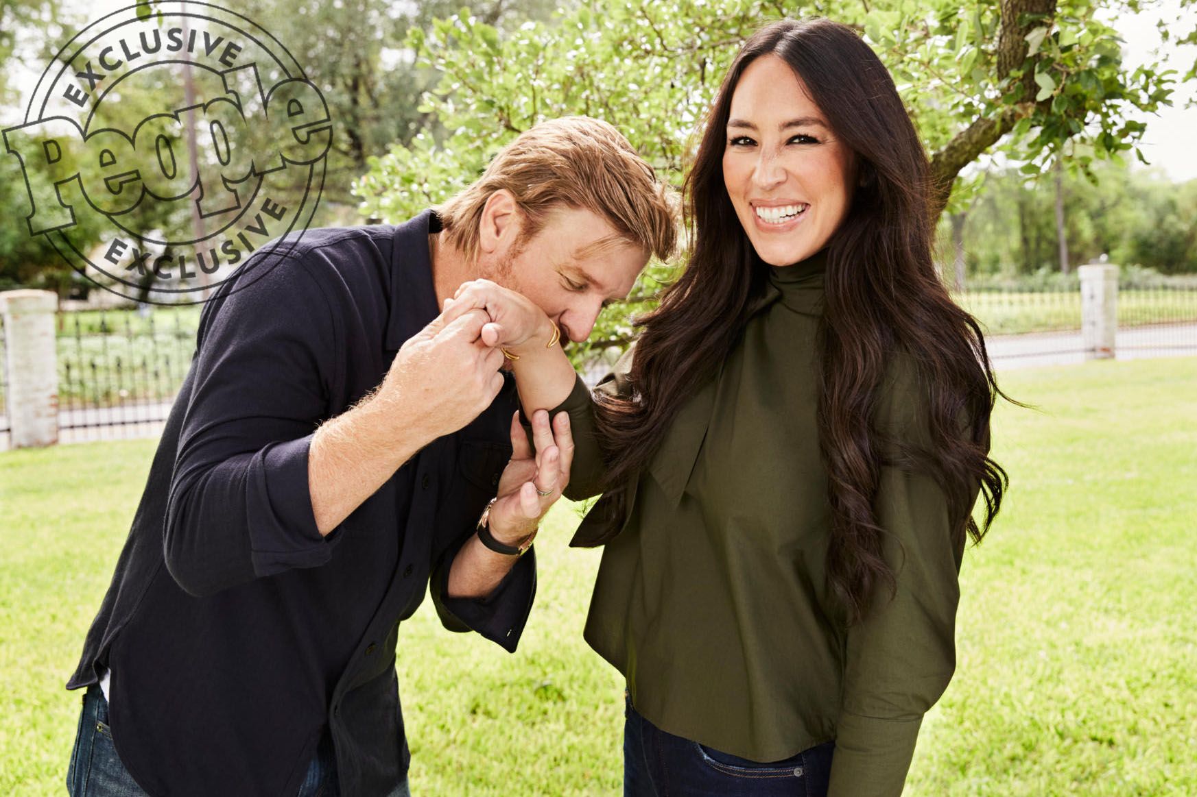Chip Gaines Kiss Hand Joanna Gaines