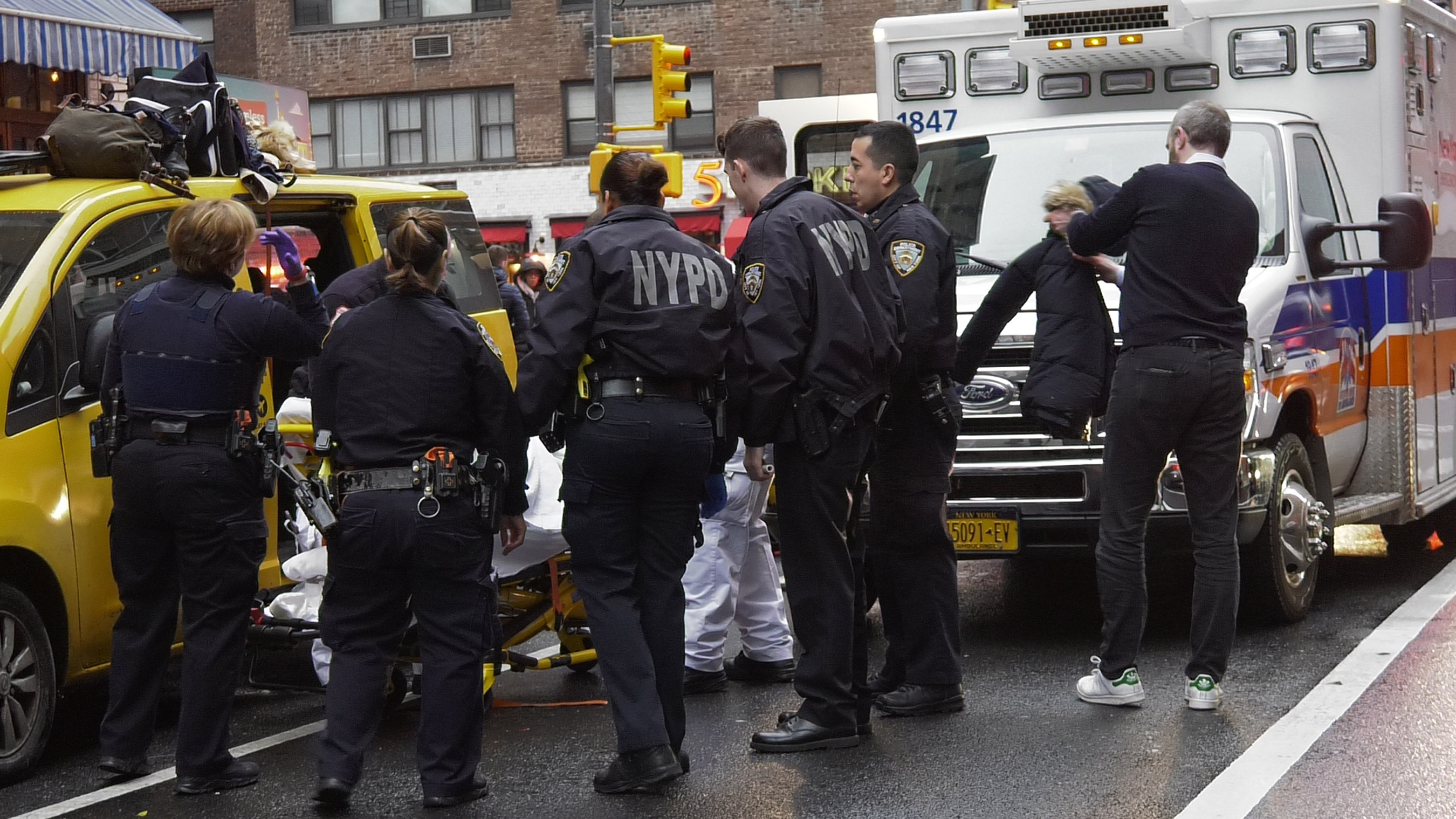 Woman Gives Birth In NYC Taxi 2