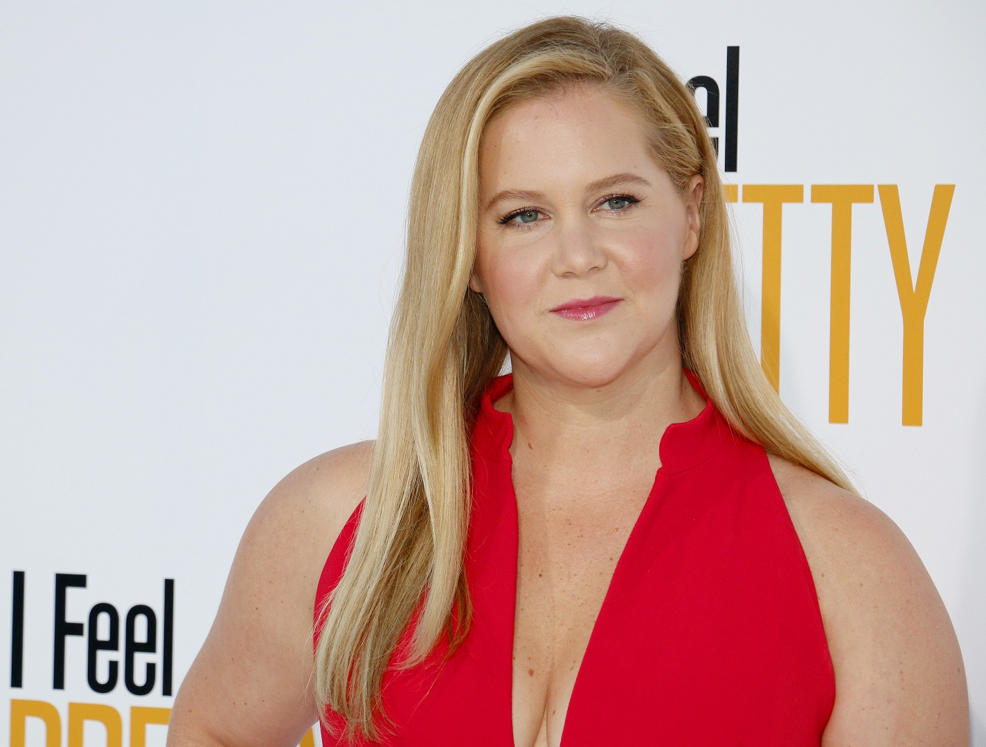 Amy Schumer Red Dress I Feel Pretty Premiere