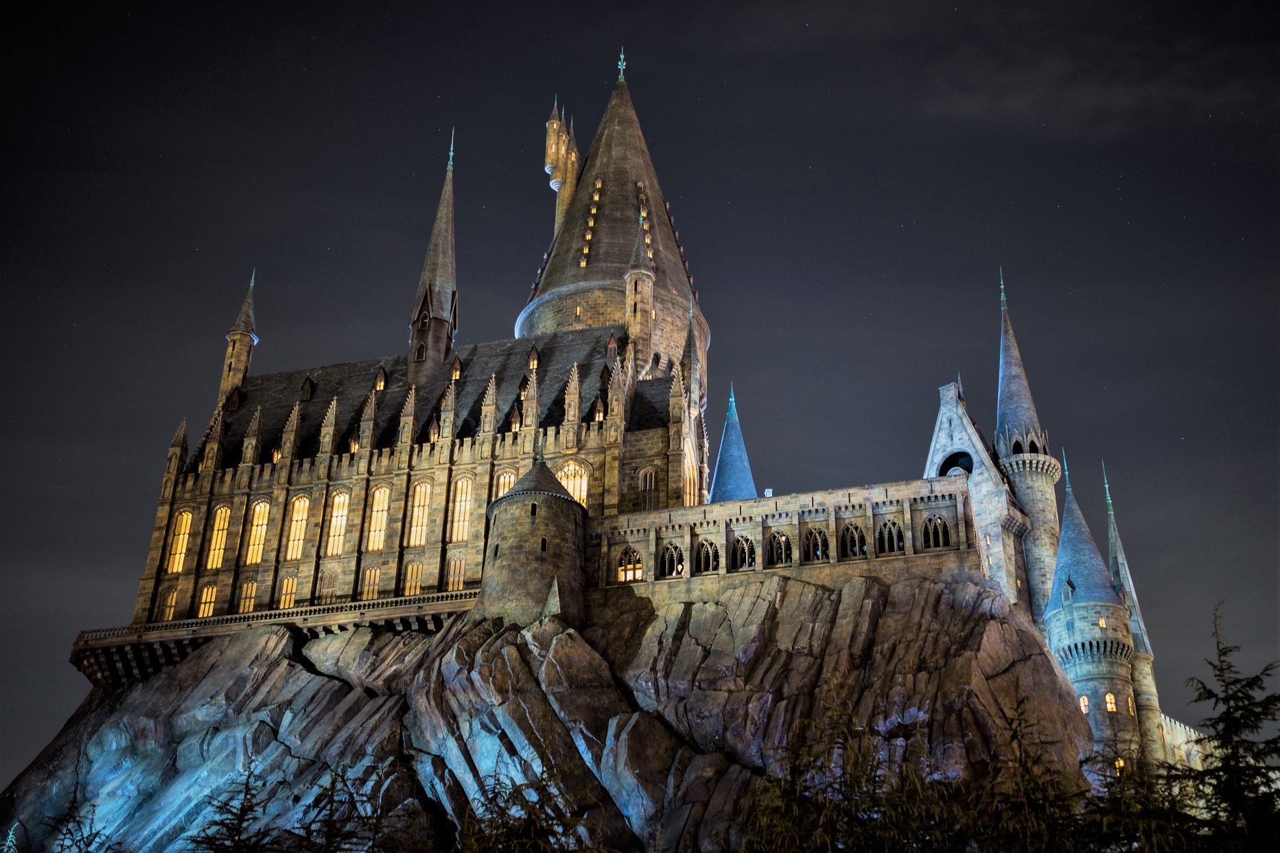 Harry Potter The Hogwarts School of Witchcraft and Wizardry at Night