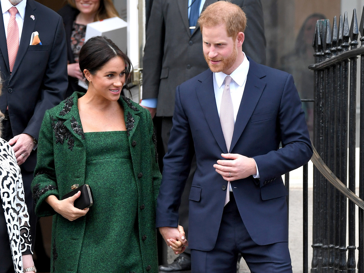 Pregnant Meghan Markle Green Dress and Prince Harry