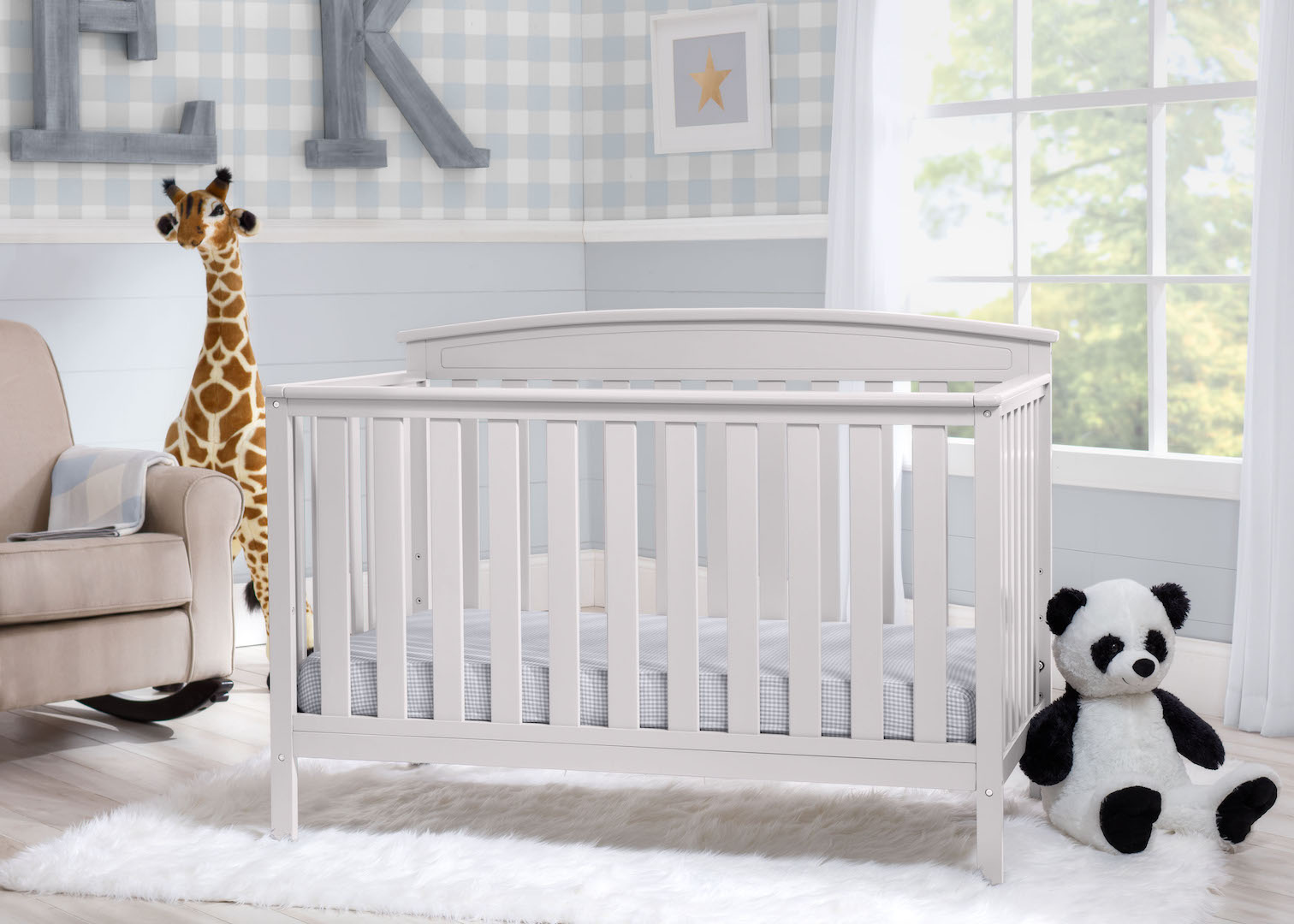 Delta Children 4-in-1 Convertible Crib
