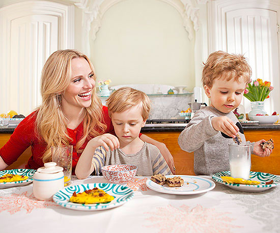 Rosie Pope and kids eating breakfast