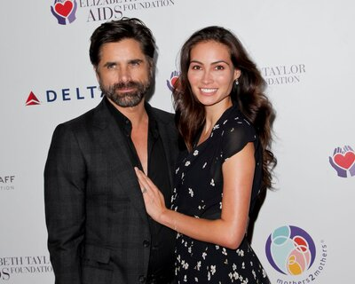 e303eca6bee John Stamos & His Fiancée Caitlin McHugh Are Expecting Their First Baby