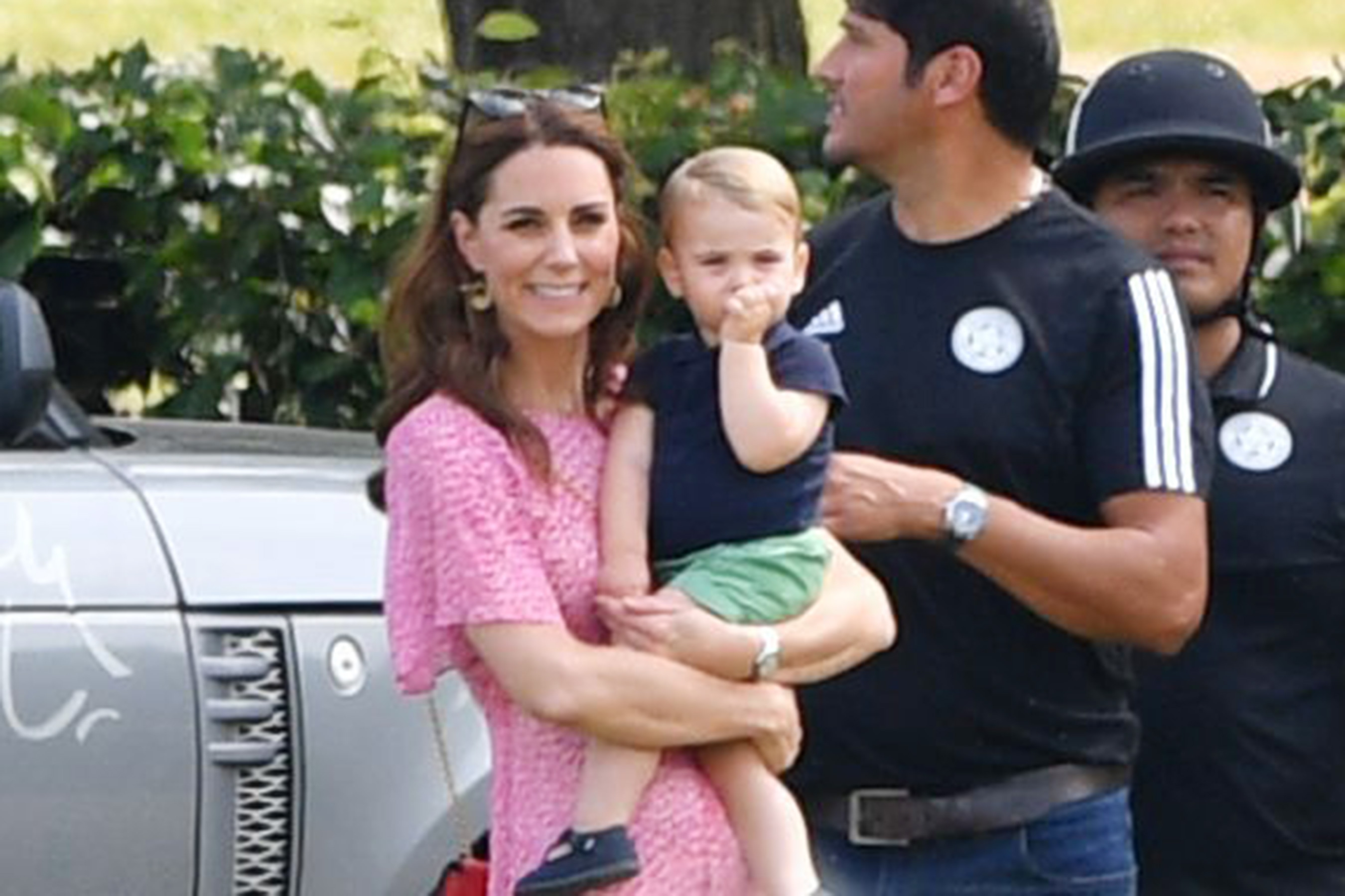 kate middleton holding prince louis