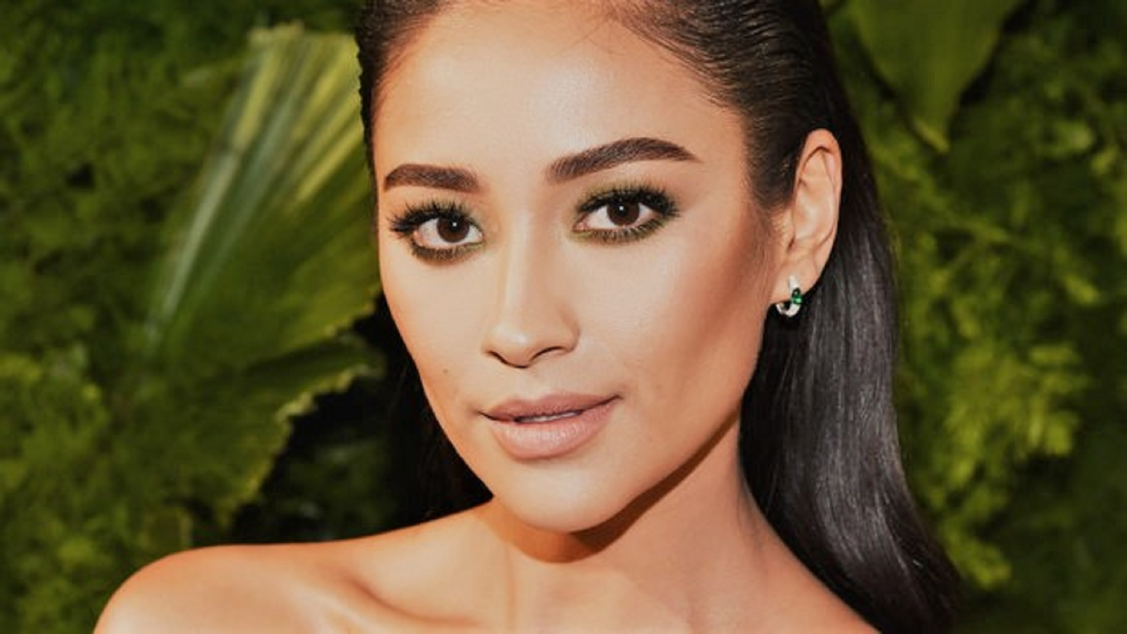 Shay Mitchell Hair Slicked Back Closeup