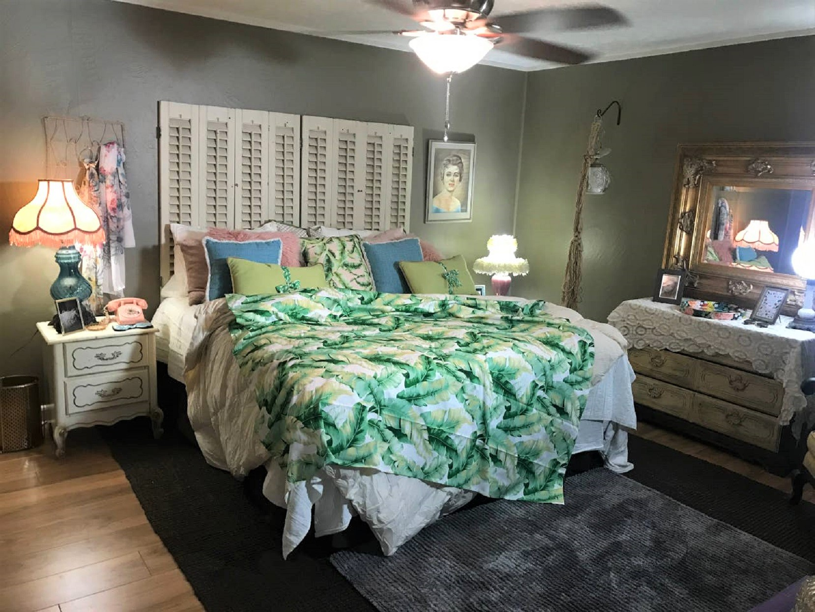 The Golden Girls Themed Airbnb 1 Bedroom