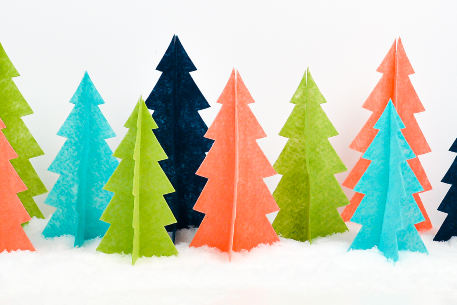 Felt-Christmas-Tree-Cricut-WIDE-750-x-500