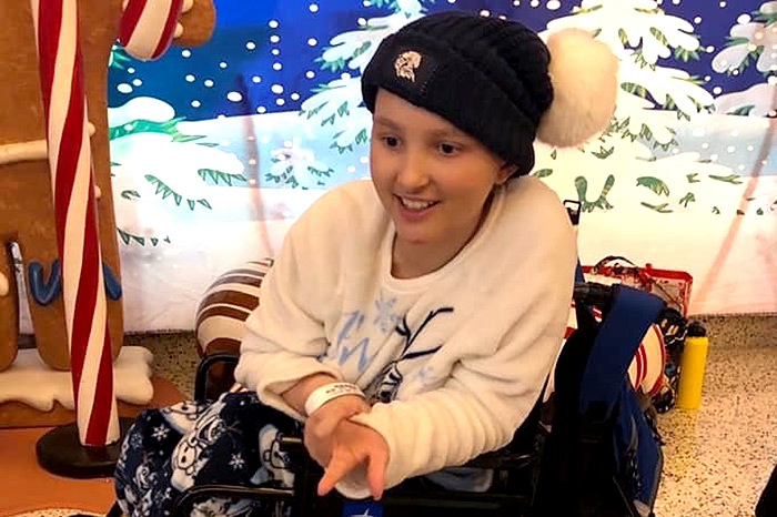14-Year-Old Girl Beats Stage 4 Cancer Into Remission, Heads Home In Time for Christmas