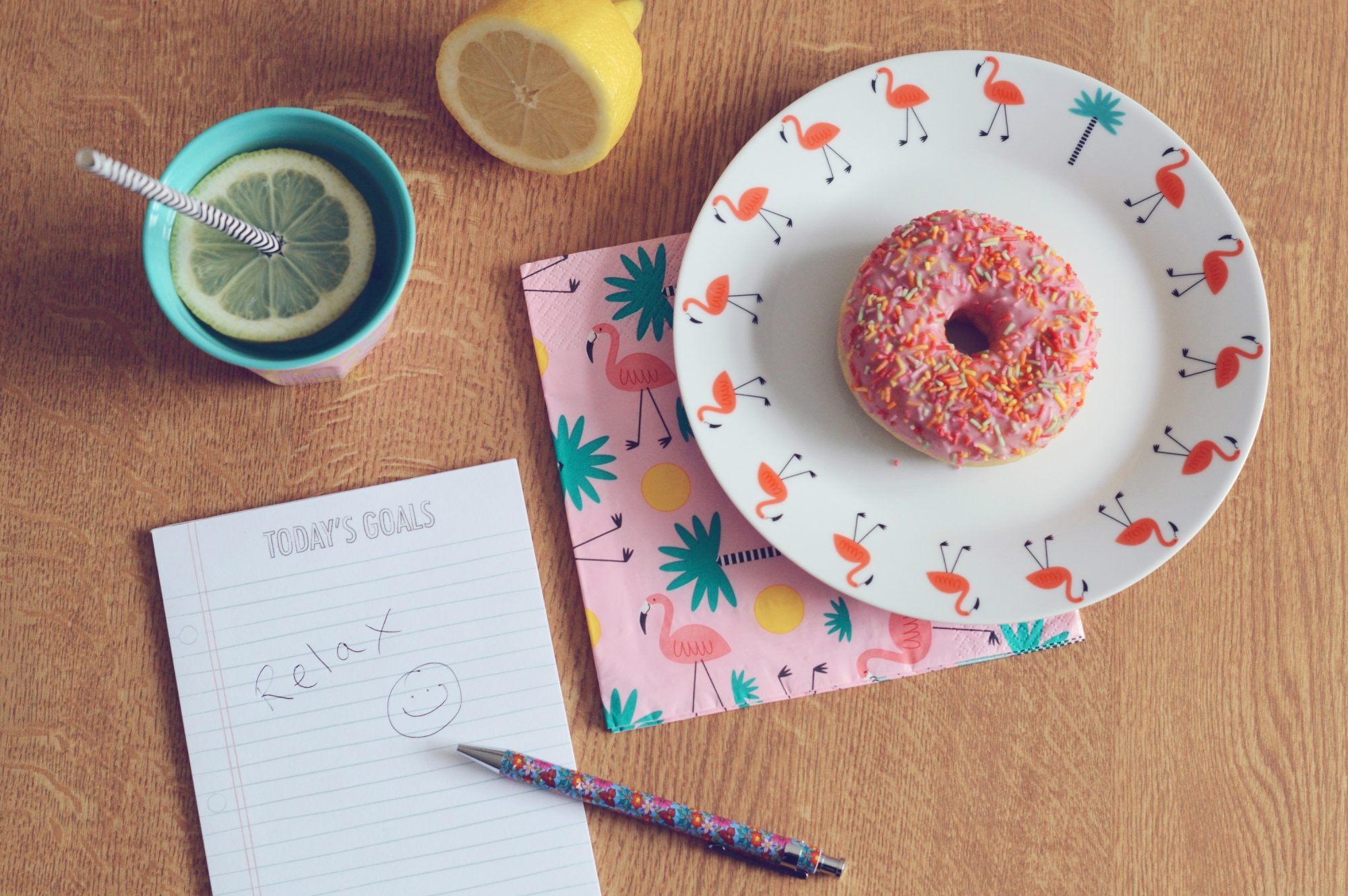 donut and note