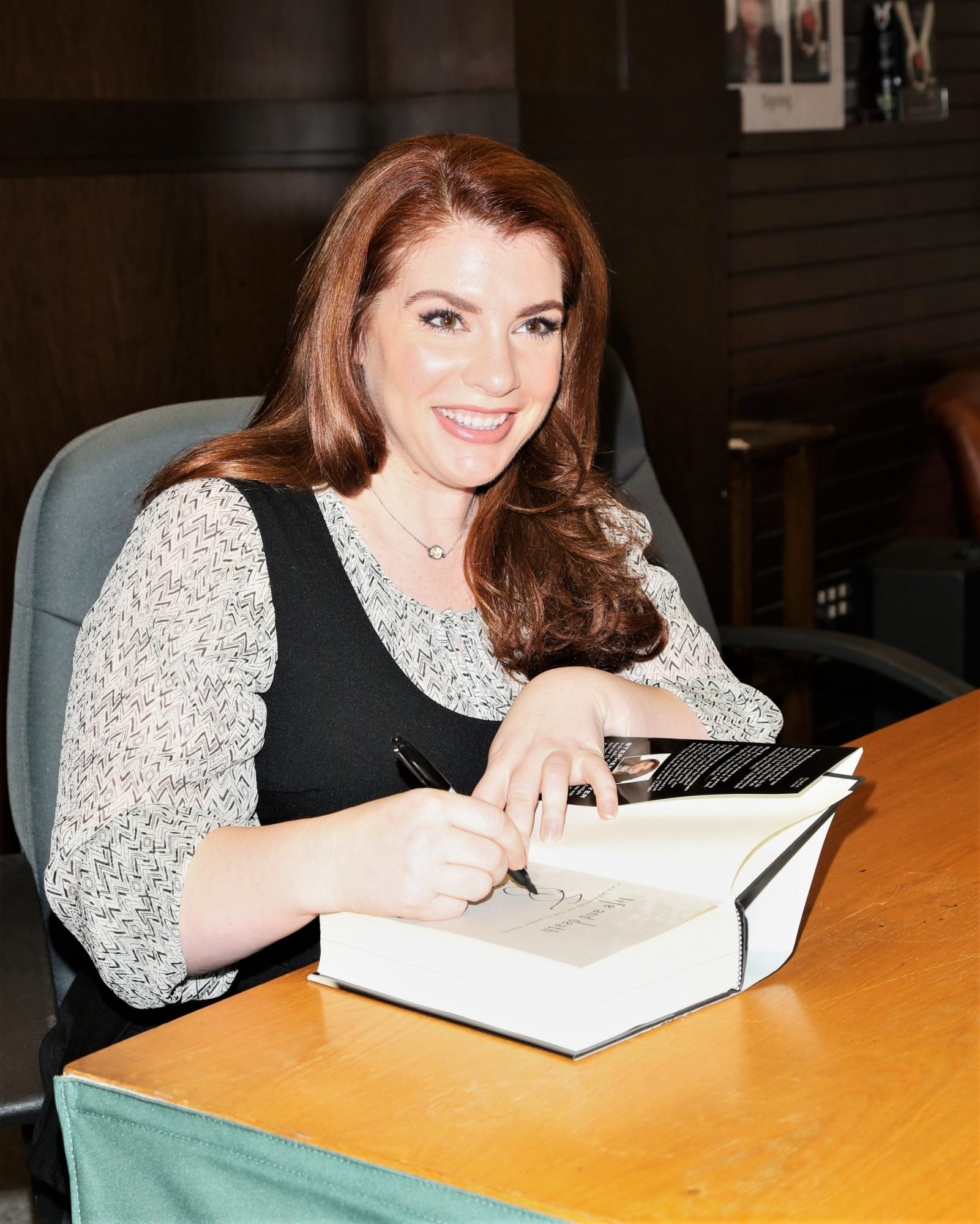 Author Stephenie Meyer Signing Twilight Books